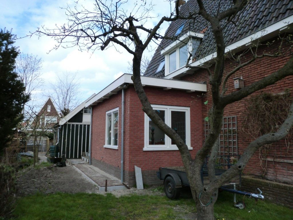 Aanbouw zijkant woning timmerbedrijf zuidoostbeemster